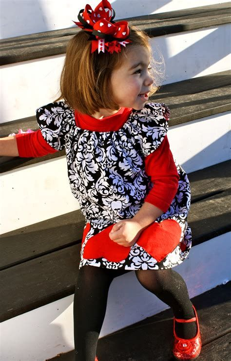 Gorgeous Valentine Day Outfits For Toddlers 43