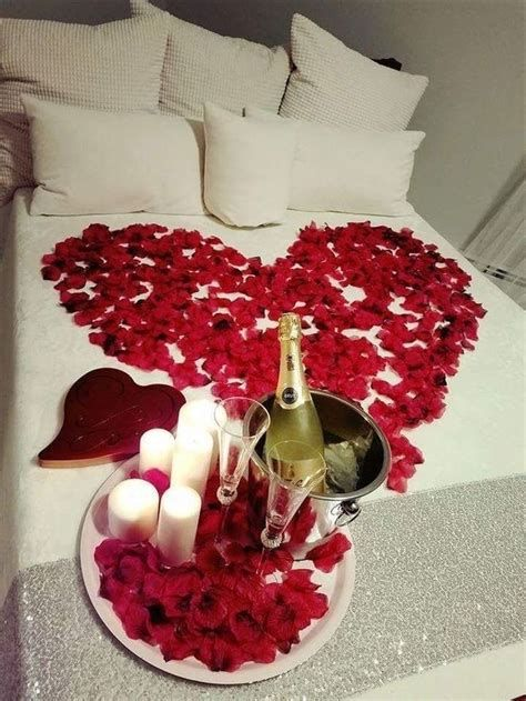 Gorgeous Valentines Room Decoration Ideas 03
