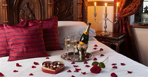 Gorgeous Valentines Room Decoration Ideas 17