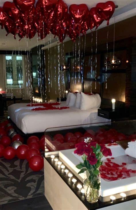 Gorgeous Valentines Room Decoration Ideas 31