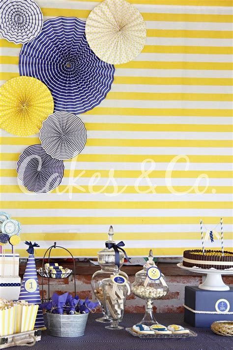 Inspiring Blue And Yellow Party Decoration Ideas 42