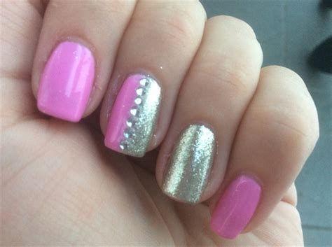 Inspiring Silver And Pink Nails 33