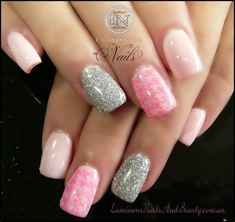 Inspiring Silver And Pink Nails 38