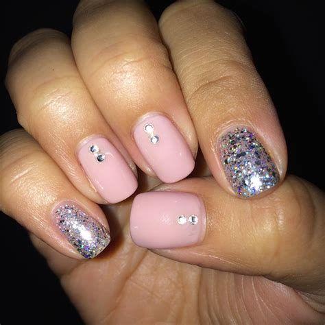 Inspiring Silver And Pink Nails 43