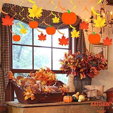 Stunning Thanksgiving Office Decorating Ideas 16