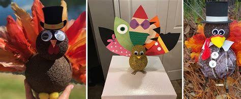 Stunning Thanksgiving Office Decorating Ideas 17