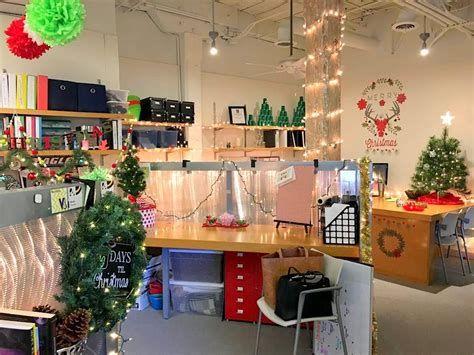 Stunning Thanksgiving Office Decorating Ideas 21