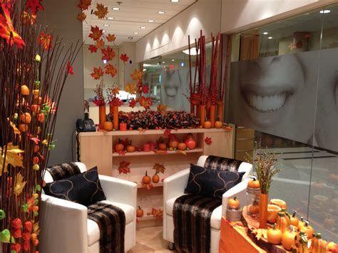Stunning Thanksgiving Office Decorating Ideas 28