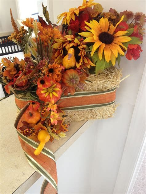Stunning Thanksgiving Office Decorating Ideas 30
