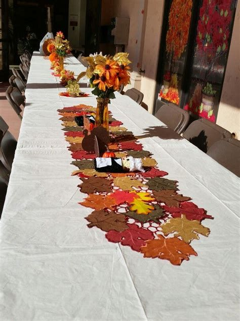 Stunning Thanksgiving Office Decorating Ideas 33