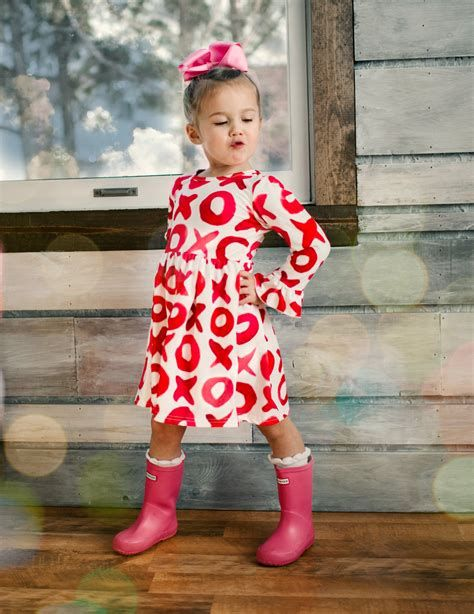 Stylish Girls Valentines Day Dress Ideas 05