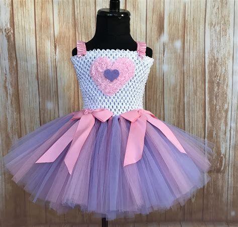 Stylish Girls Valentines Day Dress Ideas 15