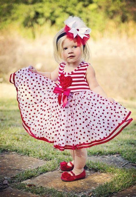 Stylish Girls Valentines Day Dress Ideas 21
