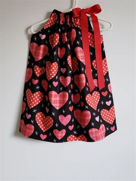 Stylish Girls Valentines Day Dress Ideas 23
