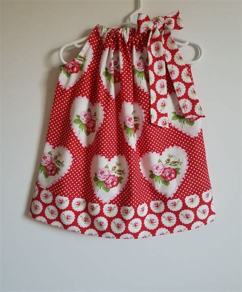 Stylish Girls Valentines Day Dress Ideas 37