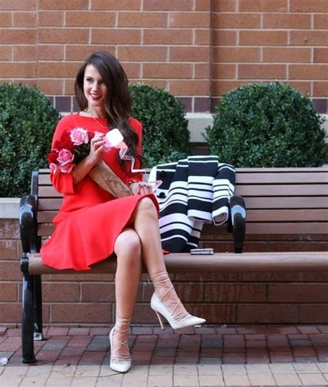 Stylish Valentines Day Outfits Ideas For Women 07