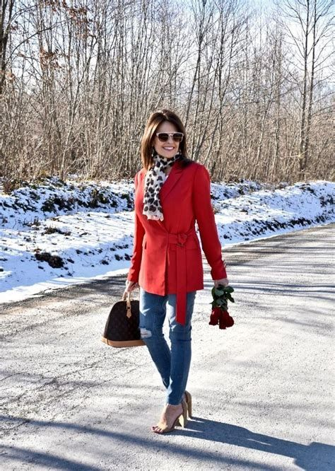 Stylish Valentines Day Outfits Ideas For Women 23