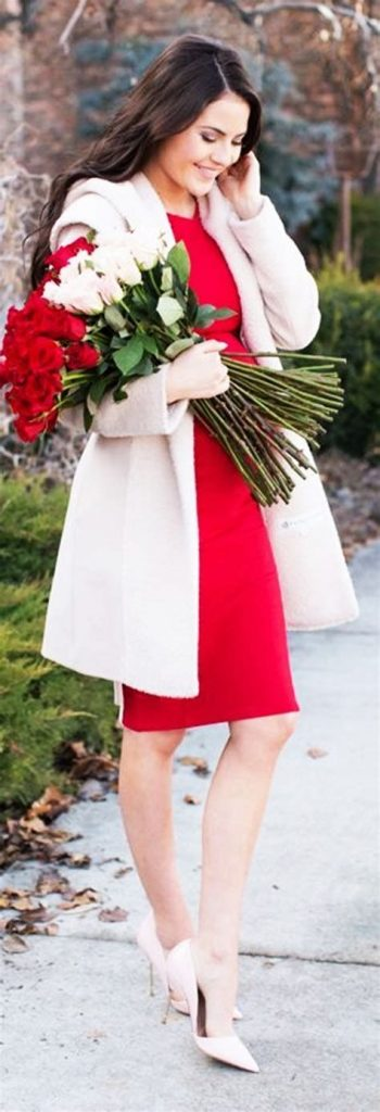 Stylish Valentines Day Outfits Ideas For Women 44