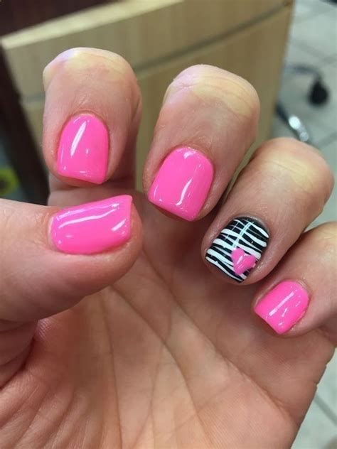 Totally Comfy Valentines Nail Designs Short Nails 13