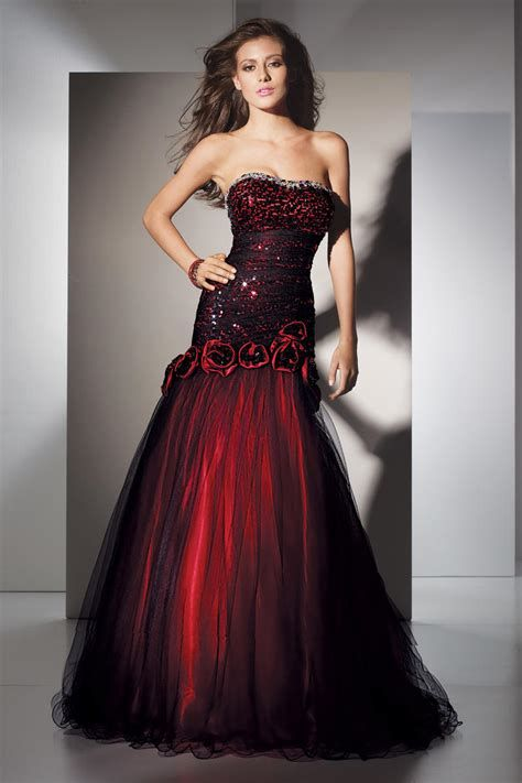 Totally Cute Red And Black Dress 19